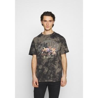 クチュールクラブ Tシャツ メンズ トップス RELAXED FIT T-SHIRT WITH FLAMING CAR GRAPHIC AND SUBTLE BLEACHING - Print T-shirt - black