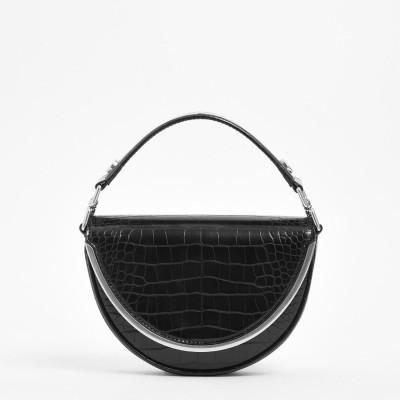 クロックエフェクトトップハンドルサドルバッグCroc-Effect Top Handle Saddle Bag (Black)