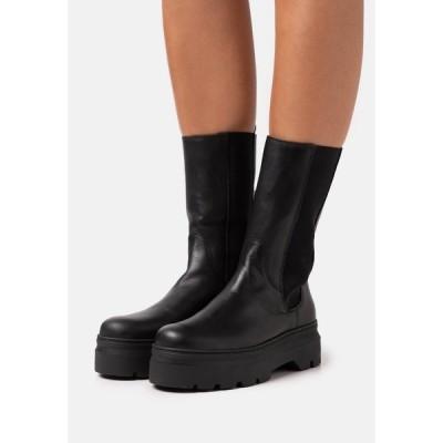 ペイブメント ブーツ&レインブーツ レディース シューズ AYA - Platform boots - black