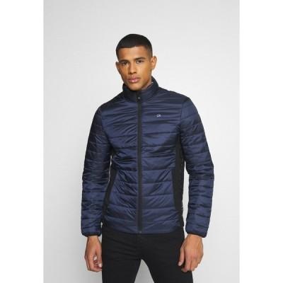 カルバンクライン ジャケット&ブルゾン メンズ アウター LIGHT WEIGHT SIDE LOGO JACKET - Light jacket - blue