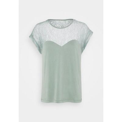 ヴェロモーダ Tシャツ レディース トップス VMNEYA TOP  - Basic T-shirt - laurel wreath