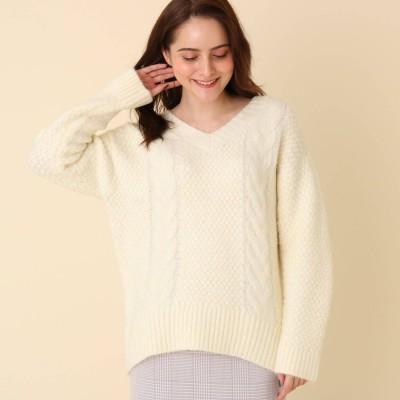 クチュール ブローチ Couture brooch Vネックケーブルニット (オフホワイト)