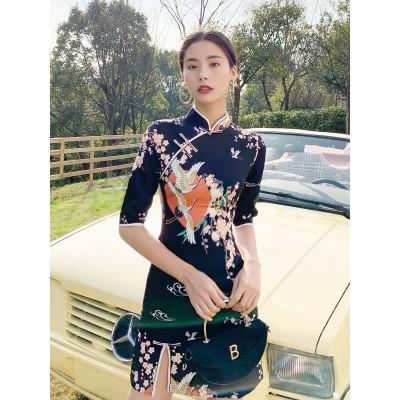 (ブティック)黒い短めの小柄なチャイナドレスの若いワンピースの復古中国風の改良版日常服