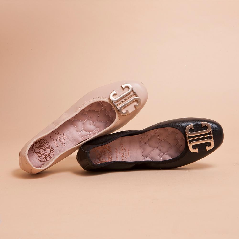 【立即結帳現折$200】我的旅行日記-通勤版 輕奢金屬飾釦真皮圓頭平底鞋 黑 (502238)