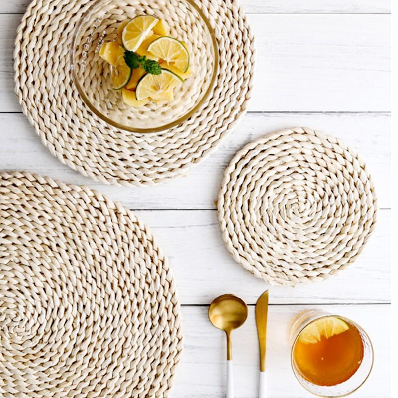 日式玉米葉草編餐墊 隔熱墊 編織圓形 藤編 杯墊 桌墊 拍照道具 防熱墊【RH1275】《Jami》