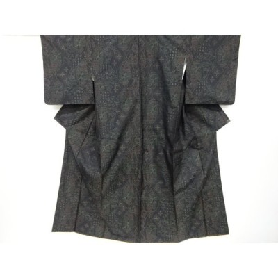 リサイクル 石畳に花古典柄織出本場泥大島紬着物