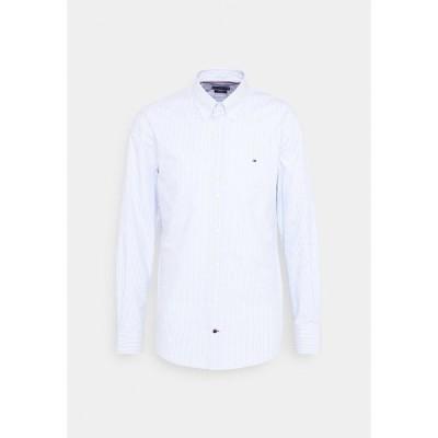 トミー ヒルフィガー シャツ メンズ トップス POPLIN WIDE STRIPE REGULAR FIT - Shirt - light blue/white