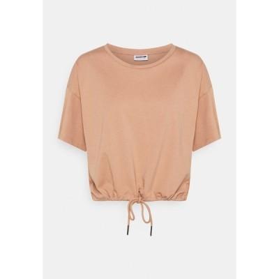 ノイジーメイ Tシャツ レディース トップス NMDURU LOOSE STRING - Print T-shirt - praline