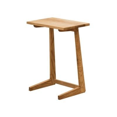 タモ材を贅沢に使用したサイドテーブル