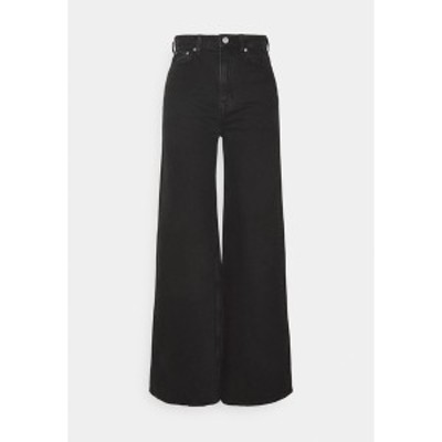 ウィークデイ レディース デニムパンツ ボトムス ACE - Flared Jeans - almost black almost black