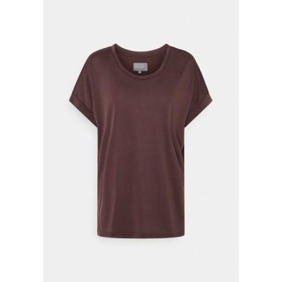 カルチャー Tシャツ レディース トップス KAJSA - Basic T-shirt - bitter chocolate