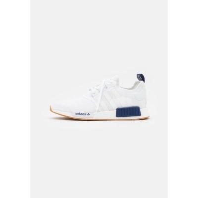 アディダスオリジナルス スニーカー メンズ シューズ NMD_R1 UNISEX - Trainers - footwear white/dark blue
