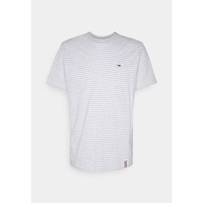 トミーヒルフィガー Tシャツ メンズ トップス STRIPE TAB TEE - Print T-shirt - white heather/light grey heather