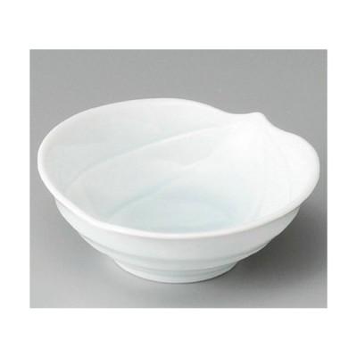 ☆ 小鉢 ☆ 青白磁木の実小鉢 [ 120 x 117 x 45mm ] 【料亭 旅館 和食器 飲食店 業務用 】