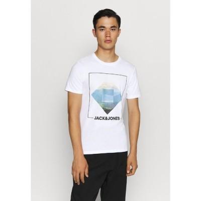 ジャック アンド ジョーンズ Tシャツ メンズ トップス JJBARISTA TEE CREW NECK - Print T-shirt - white