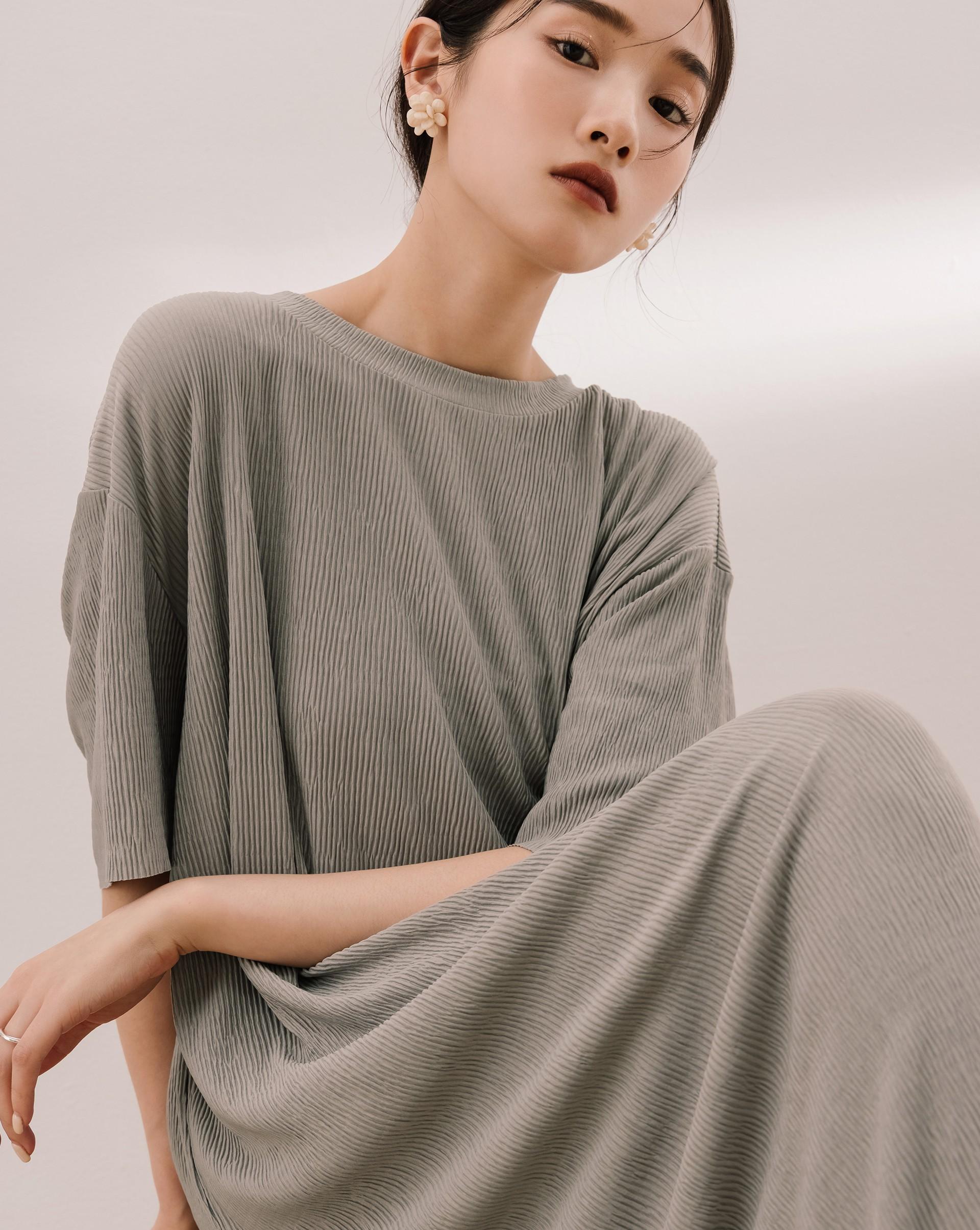 細褶長版短袖洋裝-Meierq