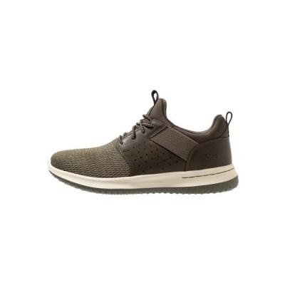 スケッチャーズ メンズ 靴 シューズ DELSON - Slip-ons - olive