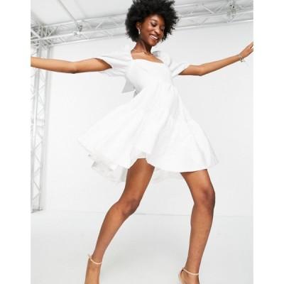 バルドー Bardot レディース ワンピース Aライン ワンピース・ドレス tiered square neck mini dress with open back and bow detail in white ホワイト