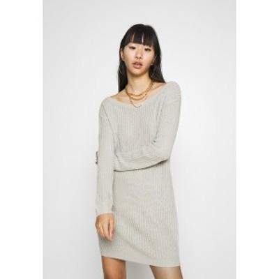 ミスガイデッド レディース ワンピース トップス AYVAN OFF SHOULDER JUMPER DRESS - Jumper dress - light grey light grey