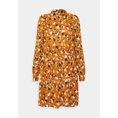 ヴィラ ワンピース レディース トップス VISAFFARONA DRESS - Day dress - pumpkin spice