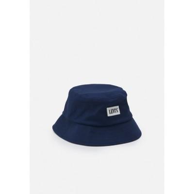 リーバイス 帽子 メンズ アクセサリー SERIF BUCKET HAT UNISEX - Hat - navy blue