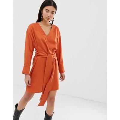ウィークデイ ミディドレス レディース Weekday wrap front dress in dark orange エイソス ASOS