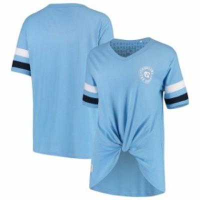 Pressbox プレス ボックス スポーツ用品  Pressbox North Carolina Tar Heels Womens Light Blue Knotted Hem V-Neck T-Shi