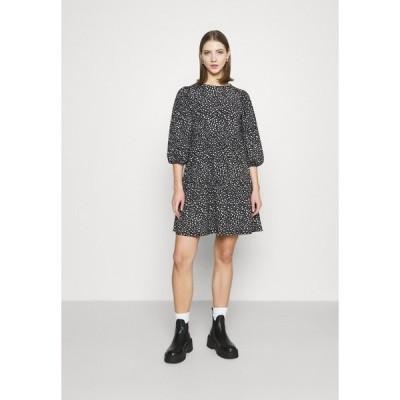 オンリー ワンピース レディース トップス ONLZILLE NAYA DRESS - Jersey dress - black