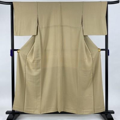 色無地 優品 落款あり 一つ紋 地紋 黄土色 袷 身丈158.5cm 裄丈65cm M 正絹 中古