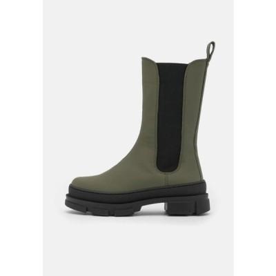 ガーメントプロジェクト レディース 靴 シューズ ELISE CHELSEA - Platform boots - army