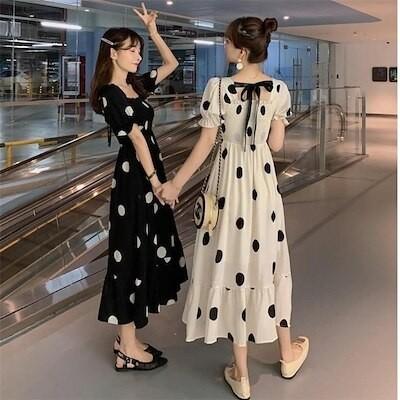 体型カバーに効く韓国ファッション 2021 夏 スリム 減齢 バンディング 半袖 ワンピース ドット 閨蜜の装い 百掛け おしゃれな sweet系 エレガント お出かけ