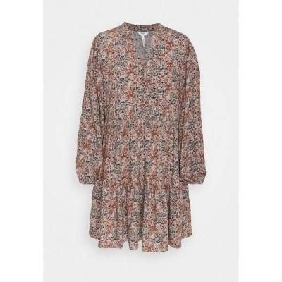 オブジェクト プティ ワンピース レディース トップス OBJKLARA DRESS PETIT - Day dress - scarab/watercolor flowers