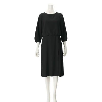 東京ソワールバックサテンジョーゼット使いサイドプリーツドレス