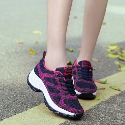 運動靴レディース 厚底 ウォーキング ランニングシューズ メッシュ スニーカー レースアップ 散歩 旅行 スポーツ 普段着  矯正靴  ダイエット疲れない