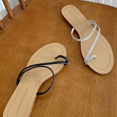 サンダル サムリング 親指リング ラインストーン 細ストラップ フラット レディース ペタンコ ぺたんこ 黒 銀 ブラック シルバー 靴 婦人靴 歩きやすい 痛くない