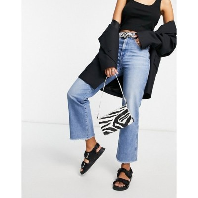 ラングラー レディース デニムパンツ ボトムス Wrangler cropped raw hem mom jeans in mid wash