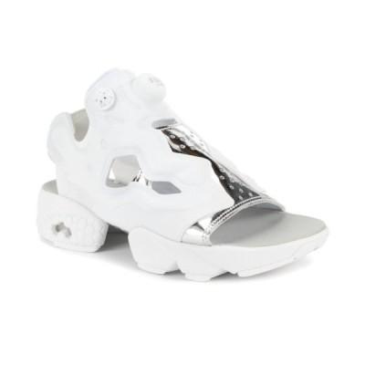 運動靴 リーボック Reebok Women's Instapump Fury Sandal Mag White/Silver Slides BD3186 NEW!