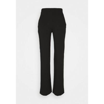 マーク ケイン カジュアルパンツ レディース ボトムス Trousers - black
