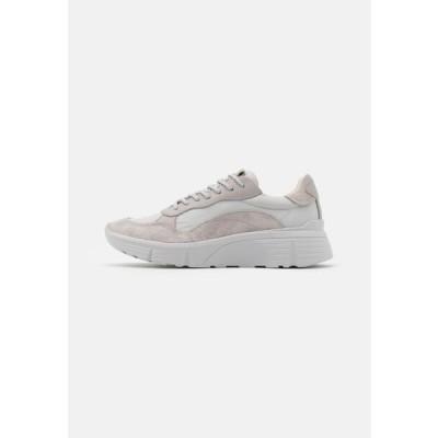 メンズ 靴 シューズ QUINCY - Trainers - steel