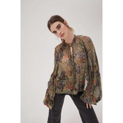 アーバンアウトフィッターズ Urban Outfitters レディース ブラウス・シャツ トップス UO Zoe Sheer Tie-Front Blouse Green Multi