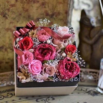 【プリザーブドフラワーでつくるフラワーボックス】 カタチに残るプレゼント。人気のローズピンク、おしゃれなギフトや女性へのプレゼントに人気
