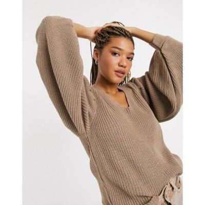 エイソス レディース ニット・セーター アウター ASOS DESIGN v-neck sweater with shoulder pads in taupe