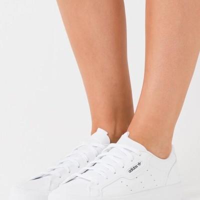 アディダス レディース 靴 シューズ SLEEK VEGAN - Trainers - footwear white/green/core black