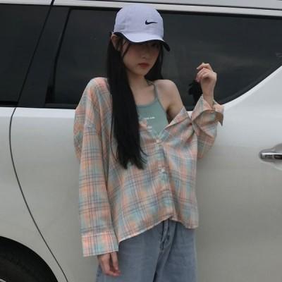 デザイン感のある長袖のチェックシャツプリントのキャミソール