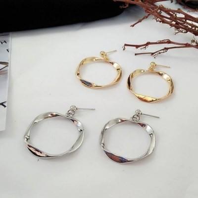 変形 リング デザイン ピアス 全2色 ファッション アクセサリー ヘア 小物