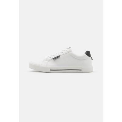 リバーアイランド メンズ 靴 シューズ Trainers - white