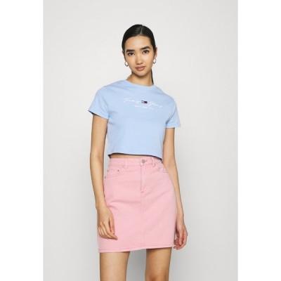 トミーヒルフィガー Tシャツ レディース トップス BABY TEE - Print T-shirt - light powdery blue