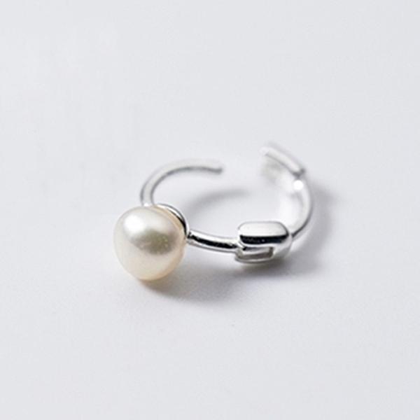 925純銀 天然淡水小珍珠 小耳圈扣耳環-銀 防抗過敏 單支販售