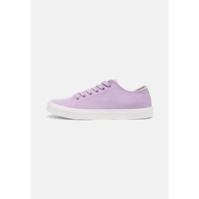 メンズ 靴 シューズ UNISEX - Trainers - lilac