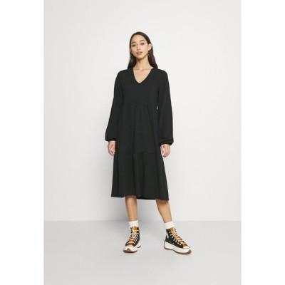 オンリー ワンピース レディース トップス ONLGRACE DRESS - Jersey dress - black/pine grove